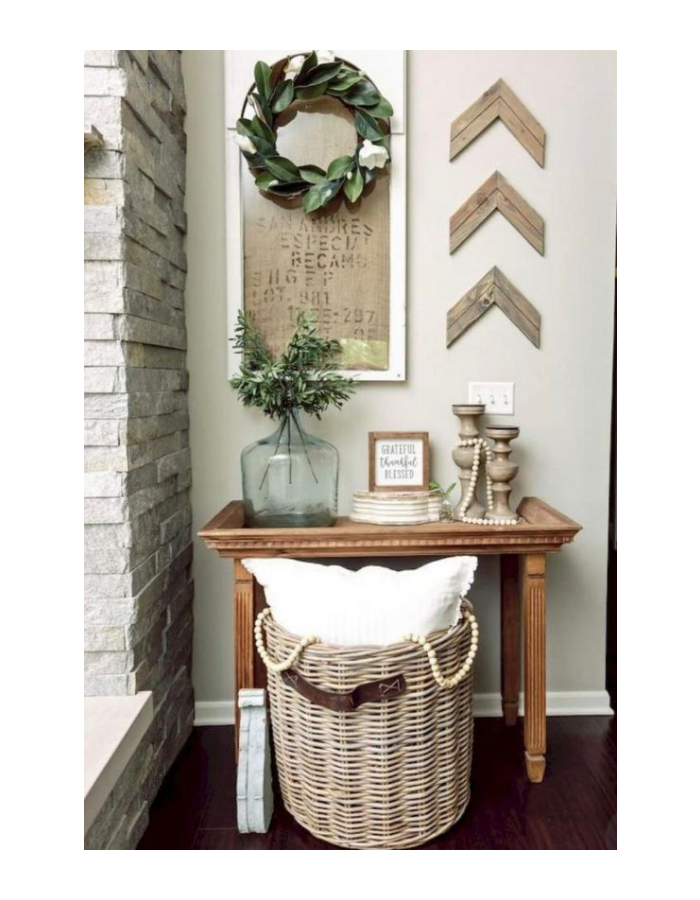 How To Decorate A Small Table With Rustic Style